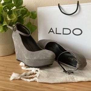 Suede Gray Wedges